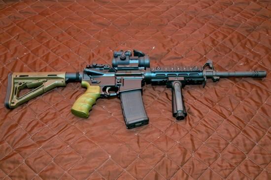 最新国产CQ步枪做工精湛 中国军警少量装备
