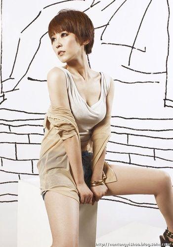 韩国女主播朴佳琳私照曝光 低胸装露乳