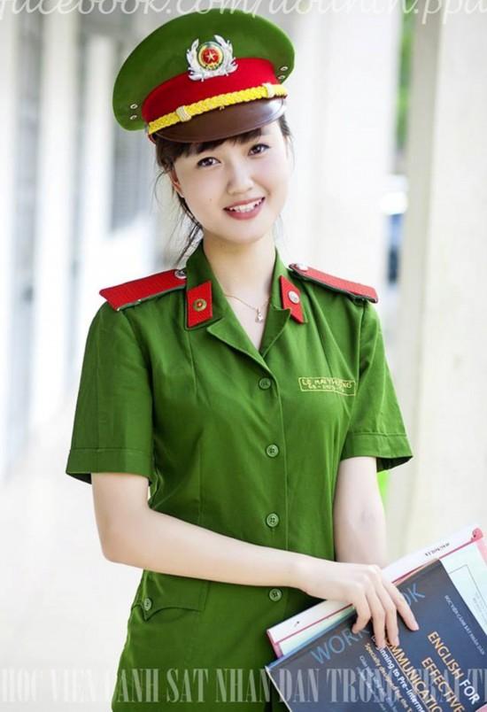 长官悉心指导女兵打手 越南靓丽军花组图【