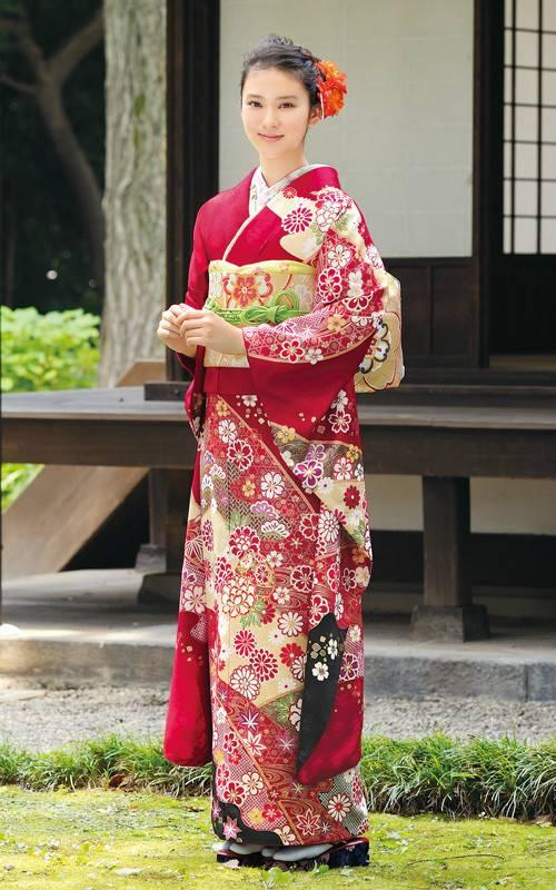 【策划】日本各地新成人狂欢 白雪和服美人相
