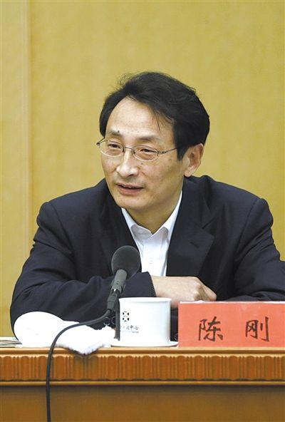 昨日,北京市人大代表、北京市副市长陈刚参与丰台团小组讨论。