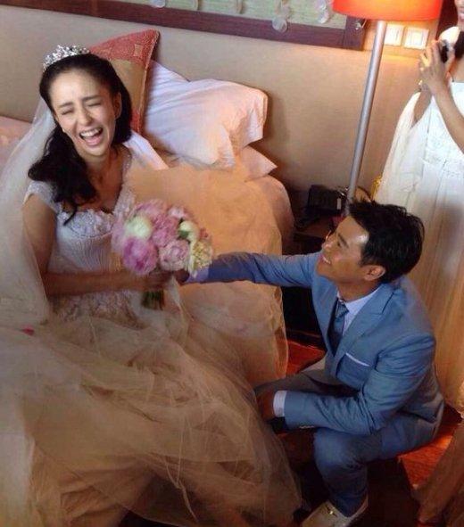 婚礼疯狂花絮 伴郎团齐脱裤新娘遭咸猪手图片