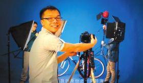 刘从新的身份之一是导演。本版图片视频截图