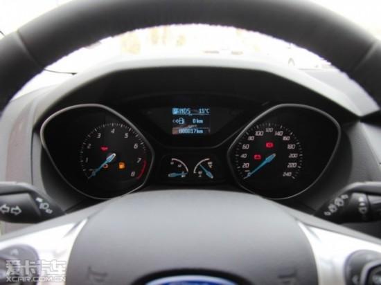 长安福特2012款新福克斯两厢高清图片