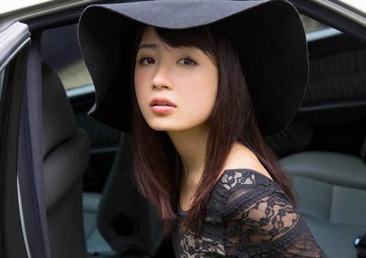 萝莉诱惑 日本女星谷一�i客串车模