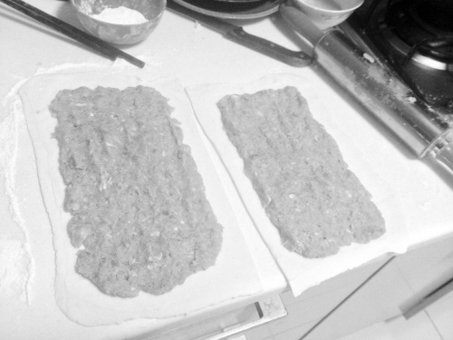 美食DIY:美味千层酥皮肉卷做起来