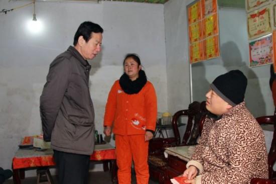 刘树生走访慰问特困职工家庭--安徽频道--人民