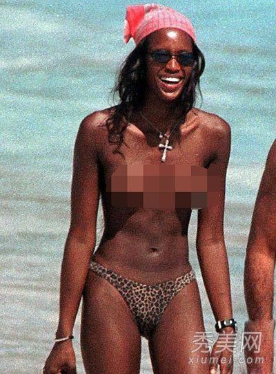 凯莉 布鲁克甩乳玩水 十大女星不戴胸罩被偷拍
