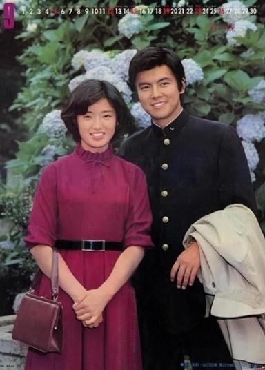 山口百惠/山口百惠与三浦友和是当时最著名的银幕情侣之一,二人在私底下...