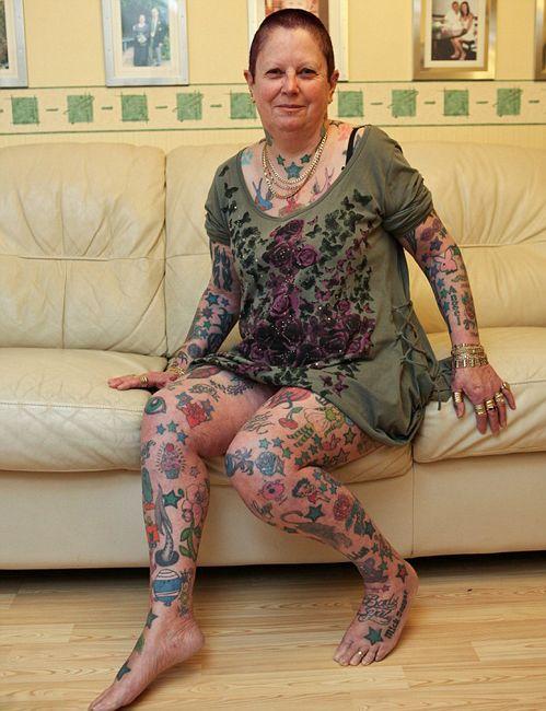 人体艺术人间极品肉体艺术照片_英花甲老妇迷恋纹身刺近300图案