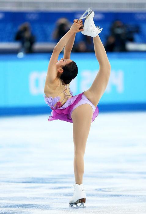 日本花滑女神摔倒 冰场 露底 走光PK冬奥美女