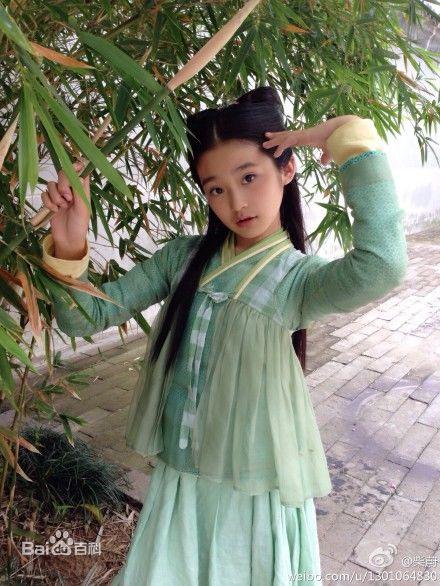 13岁童星柴蔚气质神似林青霞30张私照爆红网