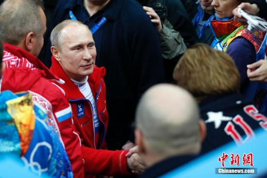 索契冬奥会:普京打鼓庆祝俄罗斯摘花滑团体金牌 - 暖雪8521 - 暖雪8521
