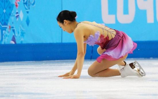 冰场露底走光pk冬奥美女运动员