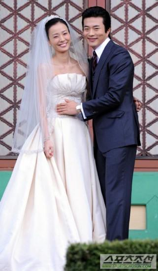 韩国明星结婚照_韩国明星的结婚照