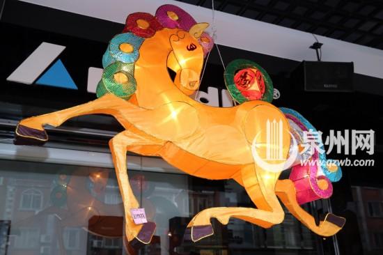 泉州市区新门街各式花灯