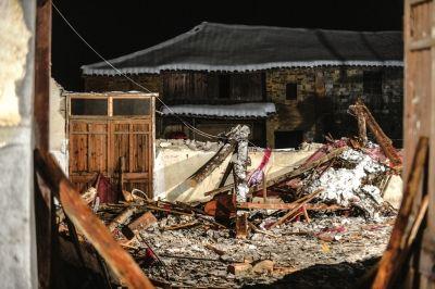 13日晚发生在金华市磐安县的会堂坍塌事故已经导致10人遇难。新华社发
