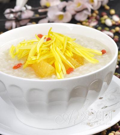 食疗养生:芹菜粥养肝 推荐10款春季养生粥