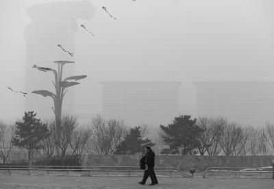 元宵节后北京连日重霾 官方承认未及时提升预警
