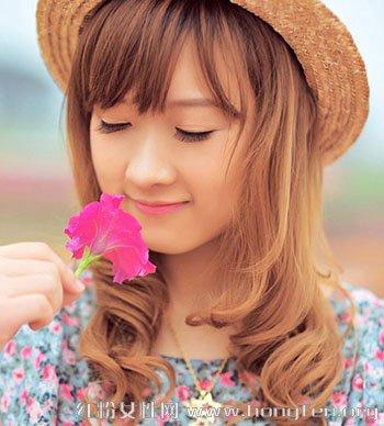 女生最新发色潮流推荐 五彩发色打造甜美形象