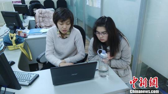 """南开大学张琳琳:公益修电脑,授""""鱼""""还授""""渔"""""""