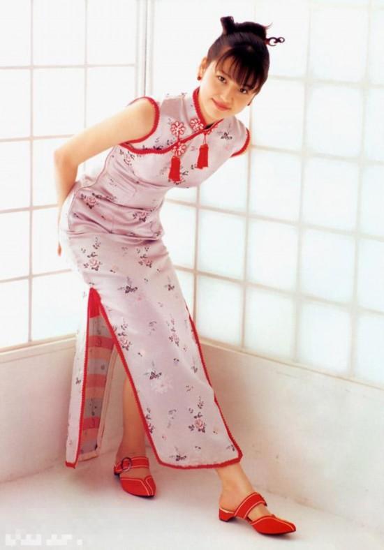日本女星中国风造型PK:滨崎步俏皮 上户彩典雅