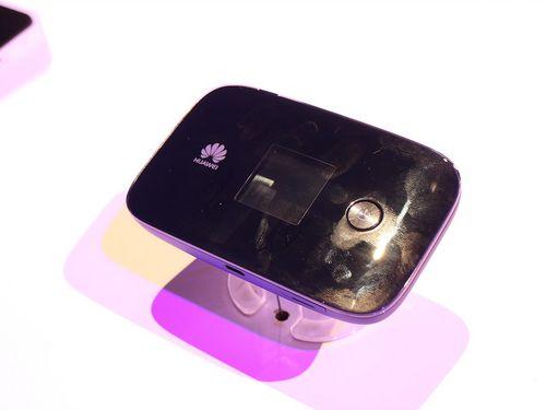 00Mbps 华为4G无线路由E5786试玩