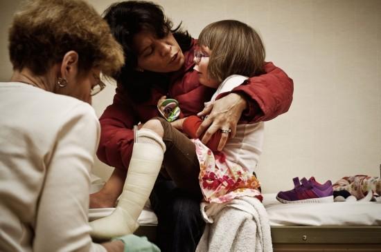 孤儿病:鱼鳞病女孩的艰难生活