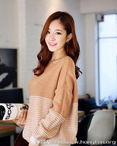韩模示范显瘦搭配 好身材尽显