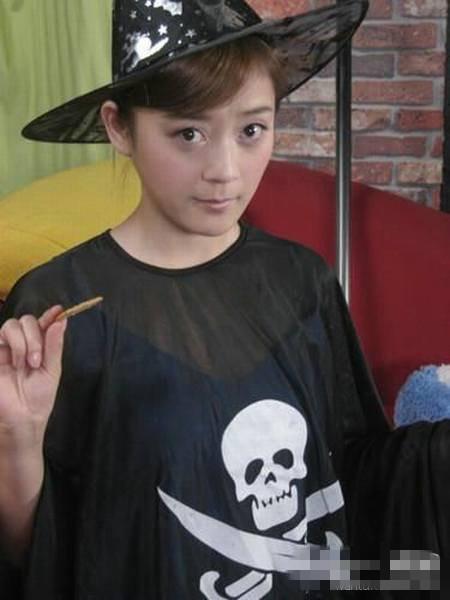 袁珊珊过去造型。