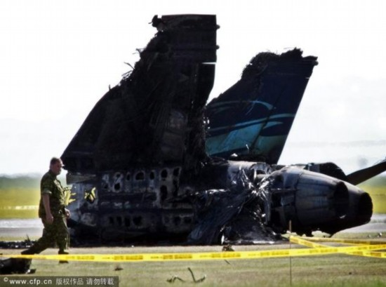 美军一架F-18战机训练时坠毁 飞行员情况不明