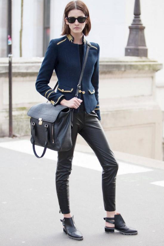 巴黎时装周街拍 藏蓝黑灰刷格调(组图)