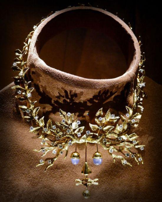达利设计的超现实主义珠宝