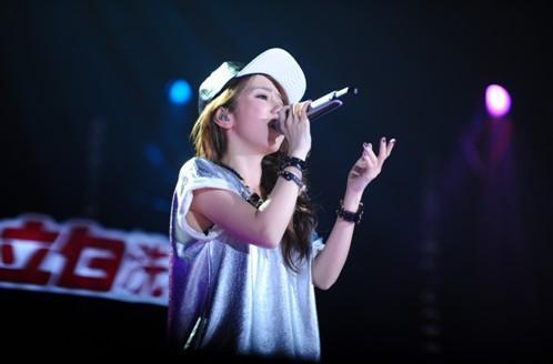 我是歌手 第二季第九期张杰化身天使 茜拉取代邓紫棋成新宠