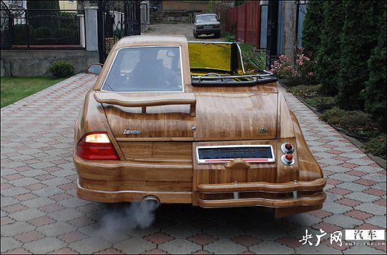 木头雕刻好并拼接