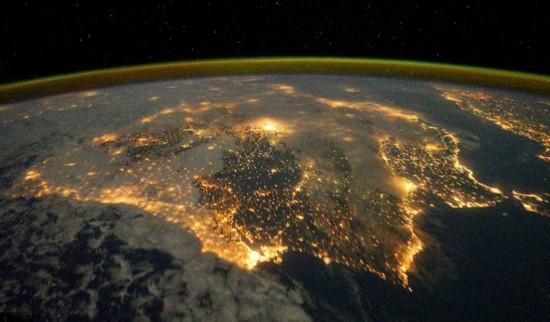 越亮越发达?国际空间站拍最新地球夜景(组图)