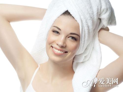 春夏皮肤易干燥 9个补水妙招 给身体保湿