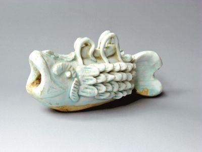 青白瓷鱼形制品