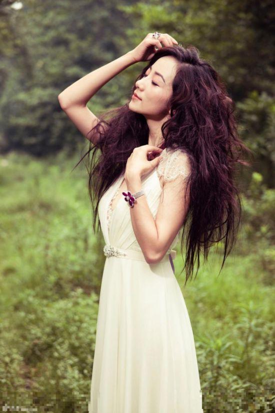 女星鲜花写真PK:范冰冰佟丽娅李湘韩雪唯美迷