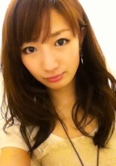 看日本黄色裸体美女_日本空手道美女引关注 以头碎瓦震惊网友 【10】