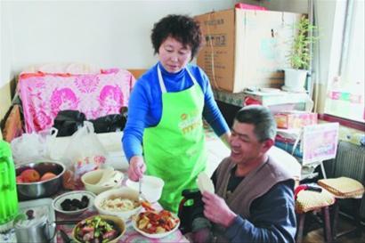同年11月,长利社区布贴画手工艺品工厂挂牌.