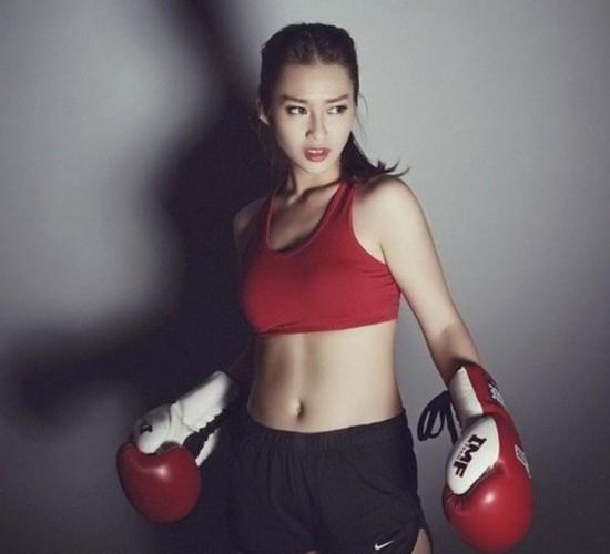 因健身走红的女神们 43岁辣妈可拍内衣写真【