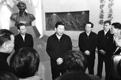 3月17日上午习近平在焦裕禄同志纪念馆 首席记者杜小伟摄影