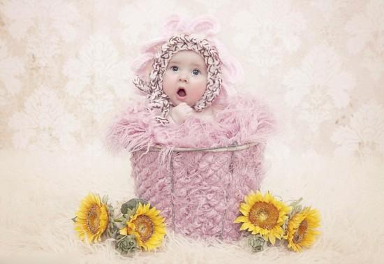 新生儿拍甜美写真 萌态毕露融化人心