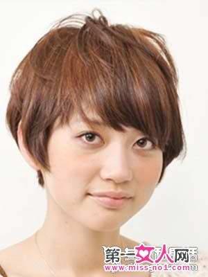 合适方脸的几款图片发型设计中老年女短头发烫发短发图片