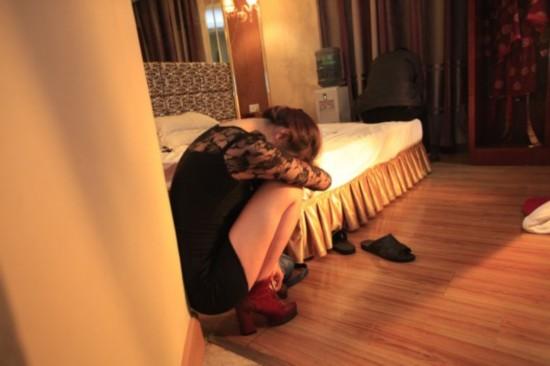 扫黄后的东莞 KTV桑拿房无限期关闭 酒店喊冤图片