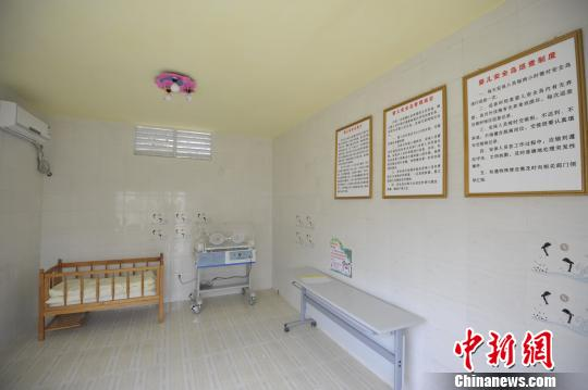 """贵州首个""""婴儿安全岛""""争议中前行已收弃婴3例"""