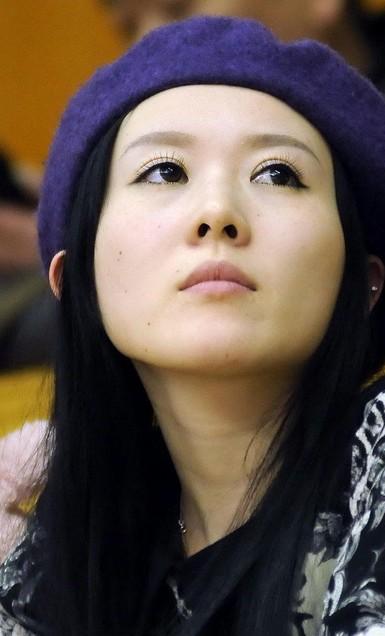 郭晶晶/CBA江苏南钢队员杨力妻子。