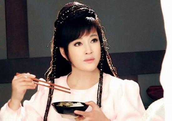 刘晓庆,娱乐圈当之无愧的童颜美女图片