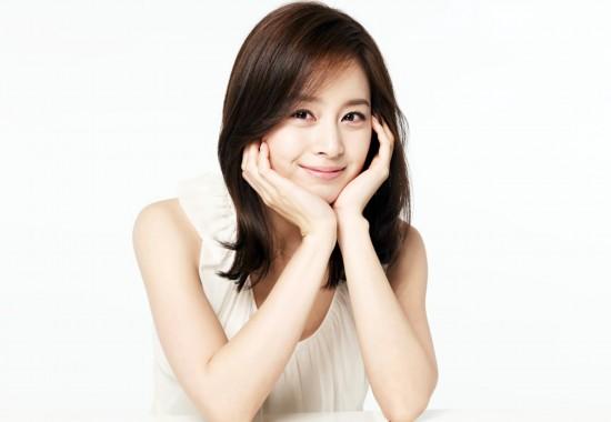 金泰熙是韩国演艺圈内为数不多的天然美人